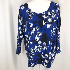 Vince Camuto blue black floral top lace sleeve